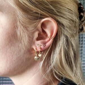 oorbel-goud-schelp-coin-earcuff